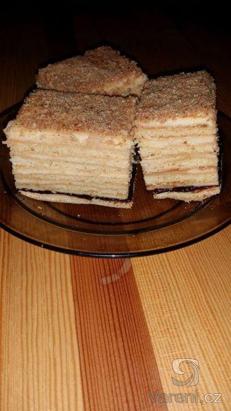 Luxusní medové řezy se zkaramelizovaným salkem. Recept mojí slovenské tety.