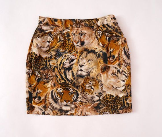 Hello Im glad youre here VINTAGE PANDORA shop  I offer vintage KENZO JEANS skirt composition-no tag. In my opinion cotton material is a little