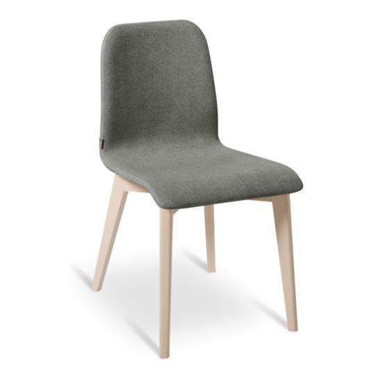 Sedia in legno con sedile e schienali in tessuto