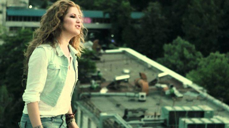 DARA feat. Carla's Dreams - Влюблены (Official Music Video)