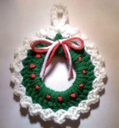 Christmas Wreath Ornament By Amy Sobush - Free Crochet Pattern - (ravelry)