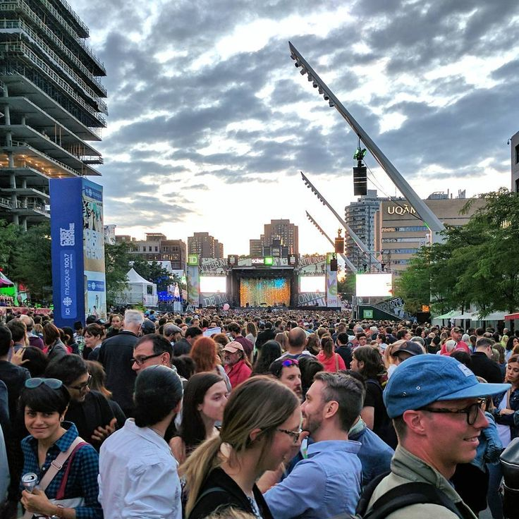 20 mentions J'aime, 1 commentaires – Marie Cadoret (@mcadoret) sur Instagram : «The crowd yesterday at Coeur de Pirate's concert during #jazzfest. #throwbackthursday #tbt #mtl…»