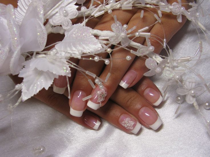 How to Get that Perfect French Manicure