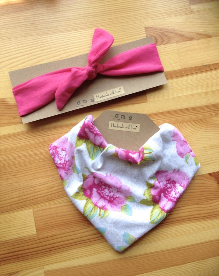 Pink Knot Headband and Bandana Bib Set in Pretty Pink Flower Vintage Print for Baby Girls - pinned by pin4etsy.com
