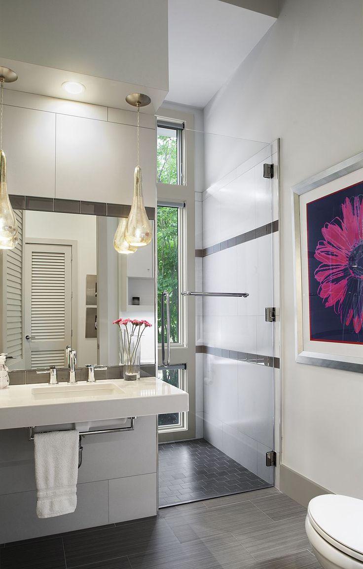 Amanda Webster Design: Classic Contemporary Accessible Bathroom Interior Design / Photo: Neil Rashba