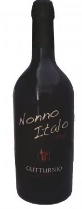 Nonno Italo - Gutturnio Frizzante Doc Emilia Romagna Piacenza Castell'arquato - Cantine e Vini d'Italia - Vinit guida enogastronomica A noble wine of an intense colour and with wonderful scents, in which vivacity and fruity hints are balanced in a perfect way. A DOC Red Wine which narrates the history, tradition and passion of four generation that have worked and will continue to work for quality and taste. It has a perfect pairing with cold cuts, meats and legumes.