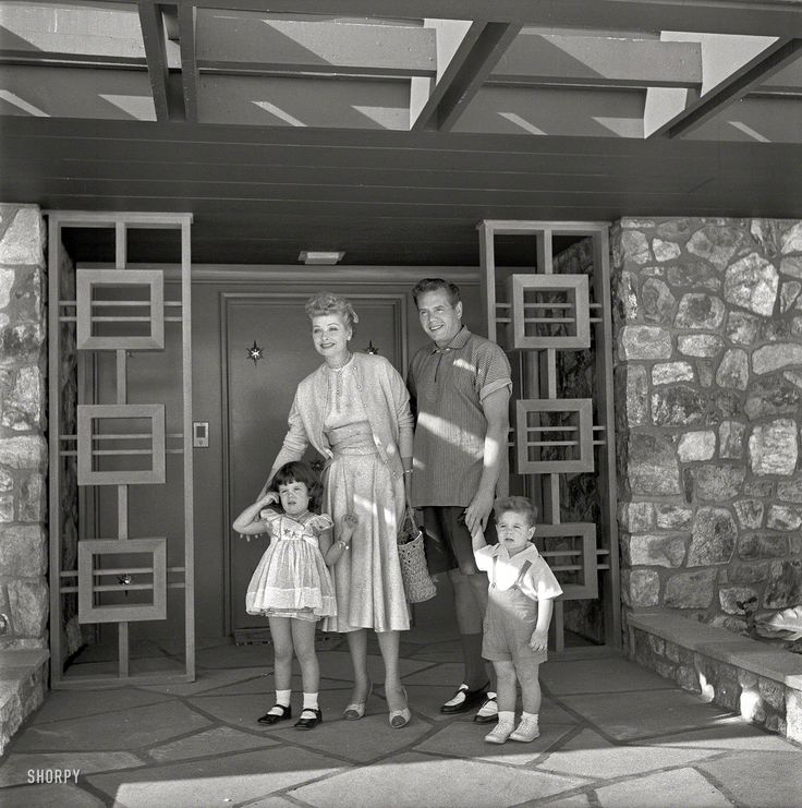 1954 actress lucille ball and husband desi arnaz with for The lucy house palm springs