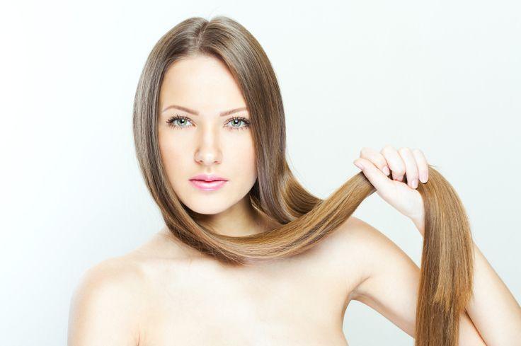6 réflexes pour accélérer la pousse des cheveux Vous perdez vos cheveux par poignées ? Ils semblent plus clairsemés ? Ce phénomène transitoire est naturel, notamment après une fatigue, une grossesse ou encore à l'automne et au printemps. Mais il existe des coups de pouce pour favoriser une bonne repousse.