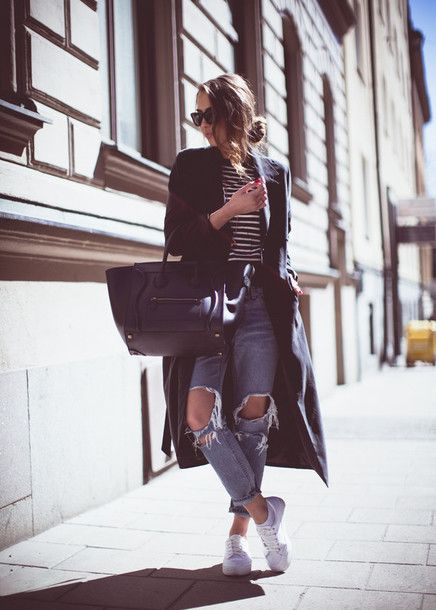 $31 - $53 It's the season of ripped denim, striped shirts and cool sneakers. Pair your weekend outfit with a long coat and large handbag for a winning urban chic appearance.