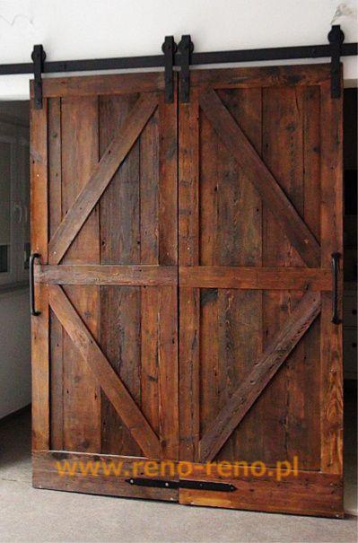 Drzwi przesuwne drewniane dwuskrzydłowe. Pracownia Reno