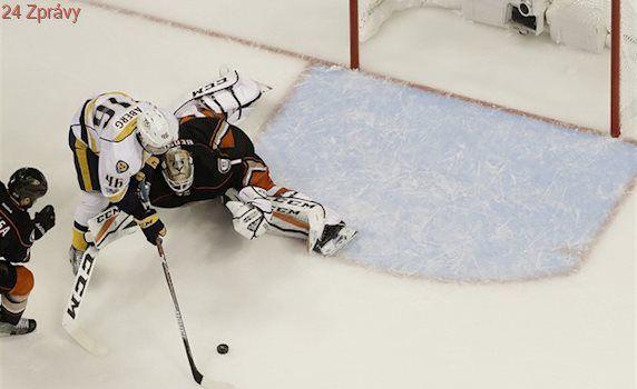 Nashville zvítězil na ledě Anaheimu a je krok od finále Stanley Cupu