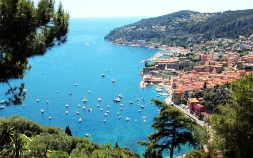 Explore French Riviera - The Mediterranean coastline of the South East corner of France