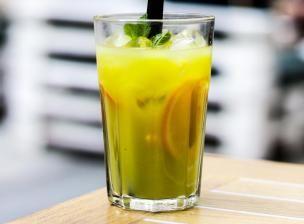 Recette Jus ananas-fruit de la passion-mangue-menthe - Feminin Bio