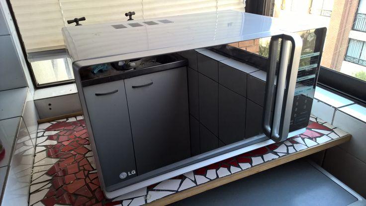 $35.000 - Microondas LG MH6348AR. En excelente estado, es bien grande, con bandeja rotatoria y grill
