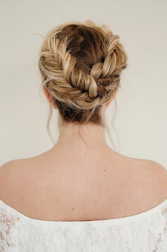 Hochsteckfrisur Fur Lange Haare Zopfkranz Selber Flechten Dunkelblonde Haare Frisur Hochgesteckt Hochsteckfrisur Frisur Inspirationen