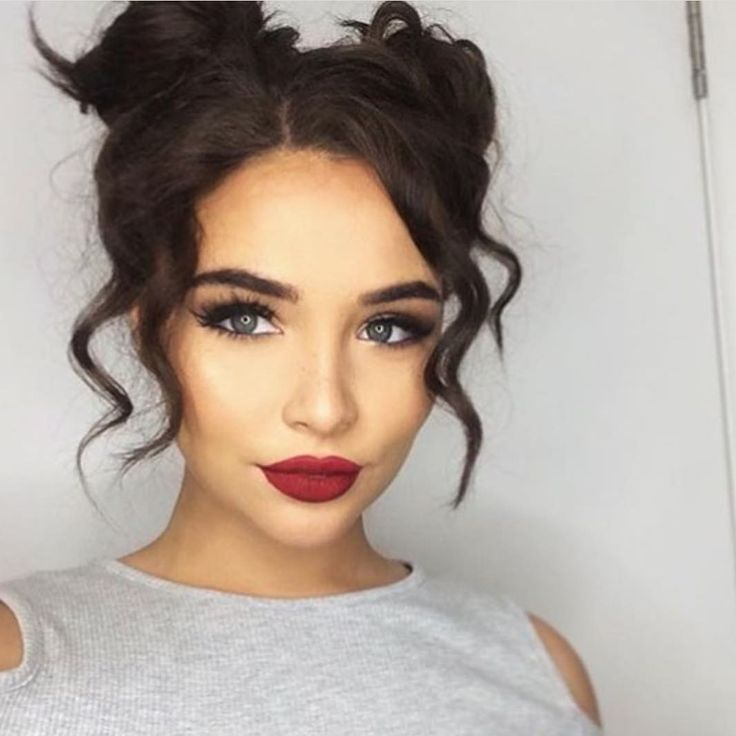 "229.4k Likes, 571 Comments - Huda Kattan (@hudabeauty) on Instagram: ""Gorgeous @clolloyd_ makeup done by @taqdeesbeauty @shophudabeauty lashes in Samantha ❤❤❤"""