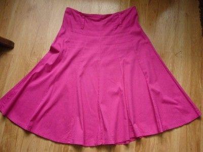 różowa spódnica w kliny poszerzana