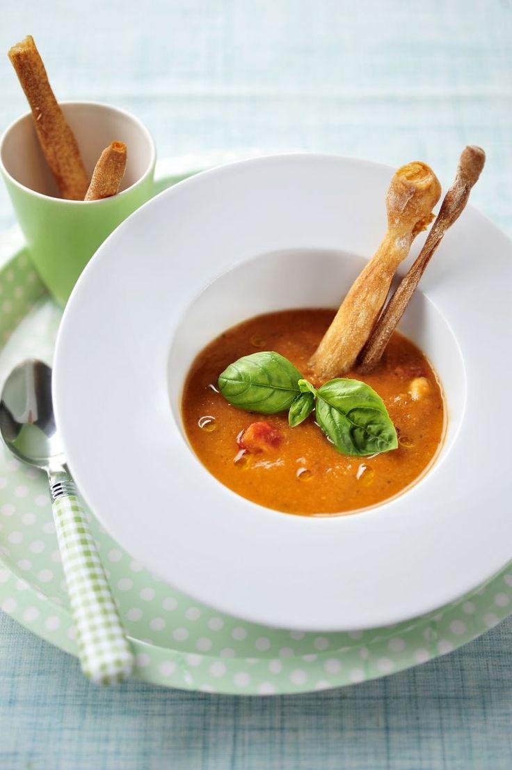 Soep van witte bonen en kerstomaten http://www.njam.tv/recepten/soep-van-witte-bonen-en-kerstomaten