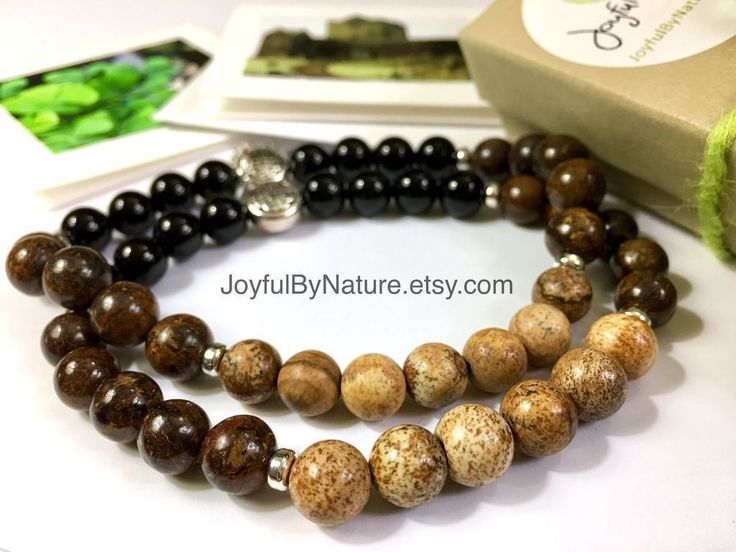 Onyx, bronzite & jasper pint-of-stout bracelet. For Guinness/stout lovers. Handmade. https://www.etsy.com/listing/263240965/mens-bracelet-guinness-gift-boyfriend?utm_content=buffer098d1&utm_medium=social&utm_source=pinterest.com&utm_campaign=buffer #etsymntt #guinness #bracelet