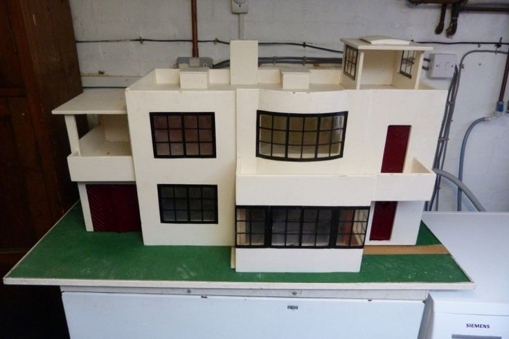 For Sale - Triang 1920s Art Deco Dolls House - The Dolls House Exchange