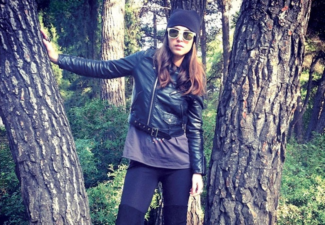 Featured member Lia Makrigeni joins us from Greece where she keeps it cool and layers up!