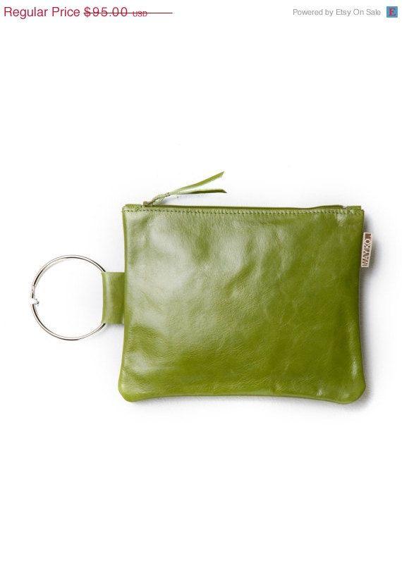 Best 25  Green clutch bags ideas on Pinterest   Green clutches ...