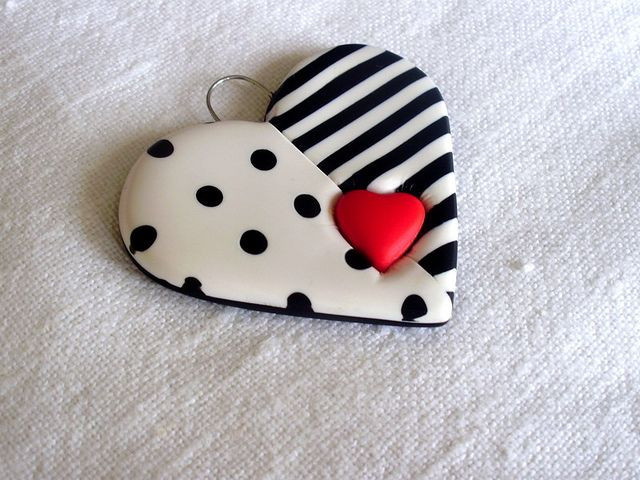 Polymer Clay Pendant by Razlicak Magicna Radionica, via Flickr -- This heart is so nicely done.