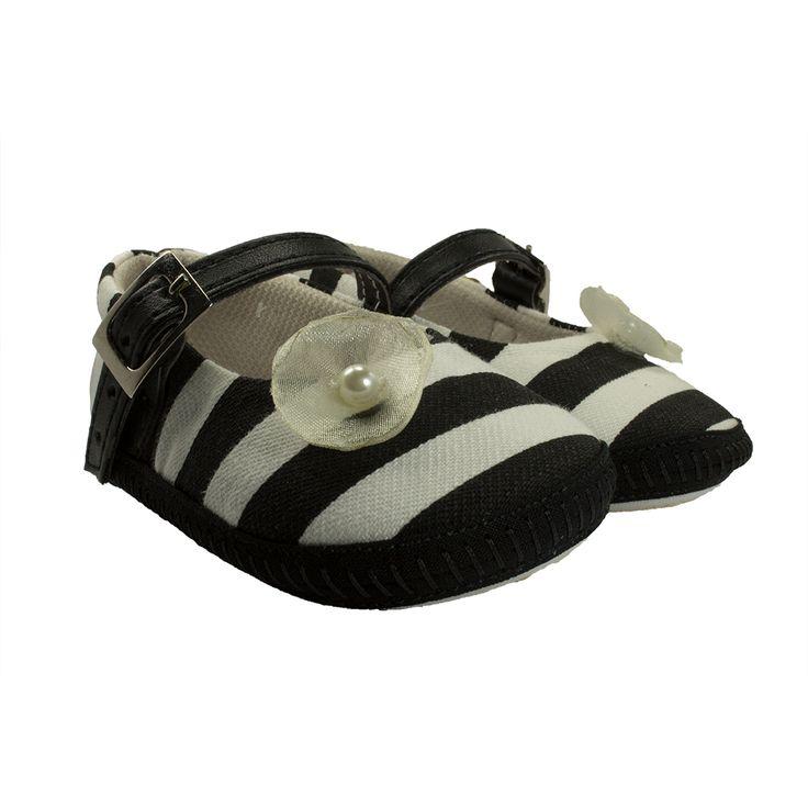 Hermosas Baletas Zebra que brinda confort y estilo, para que tu princesa este a la moda. Trae un accesorio coqueto semejando una perla de mar. https://nibi-baby-store.pswebstore.com/zapatos-bebe/27-baleta-zebra.html