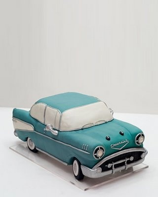 Vintage Cadillac groom's cake (looks like a 50's Chevy to me)  Incredible!