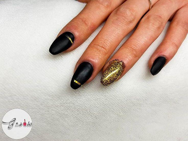 #nails, #paznokcie, #mattenails, #blacknails, #goldnails,