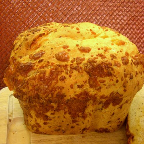 Garlic Cheddar Herb bread for the Bread Machine - It turned out pretty good but for some reason mine sank at the end :(