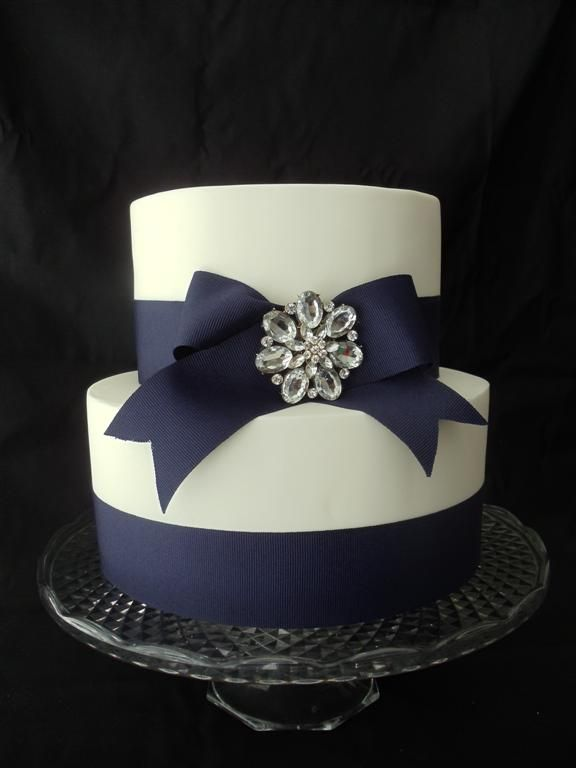 navy blue wedding cake 8 best images about wedding cakes brooches amp bows on 17774