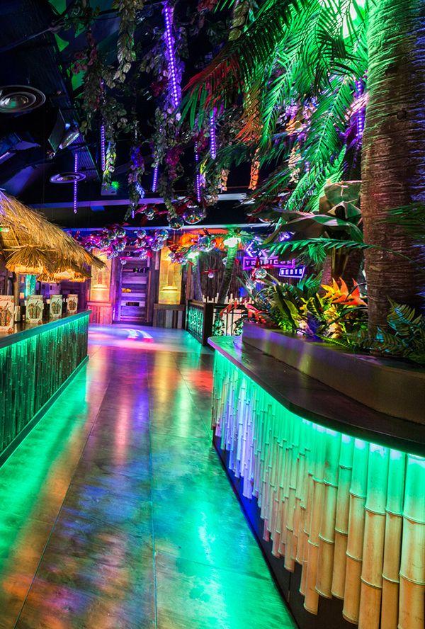 Тики бар клуб ночной девушки в ночных клубах нижнего новгорода