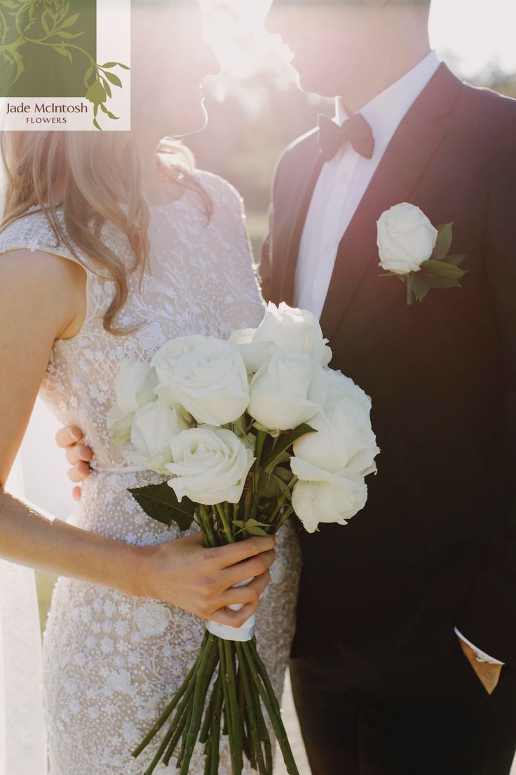 Open white long-stemmed roses make our job so easy! www.jademcintoshflowers.com.au www.justinaaron.com.au