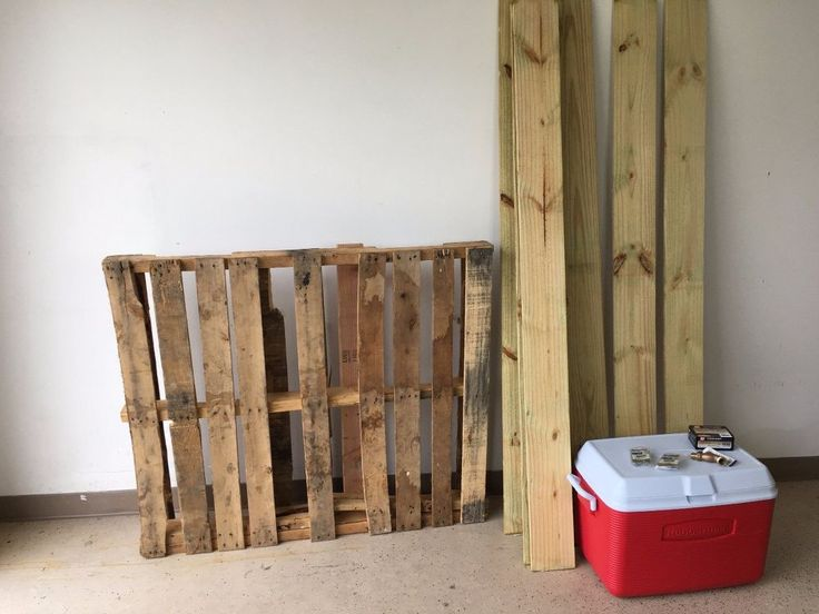 """Serving drinks outside? Using one of those ugly plastic coolers? Here's a way to turn that ugly cooler into something cool-er :) I used one pallet and """"dog eare…"""