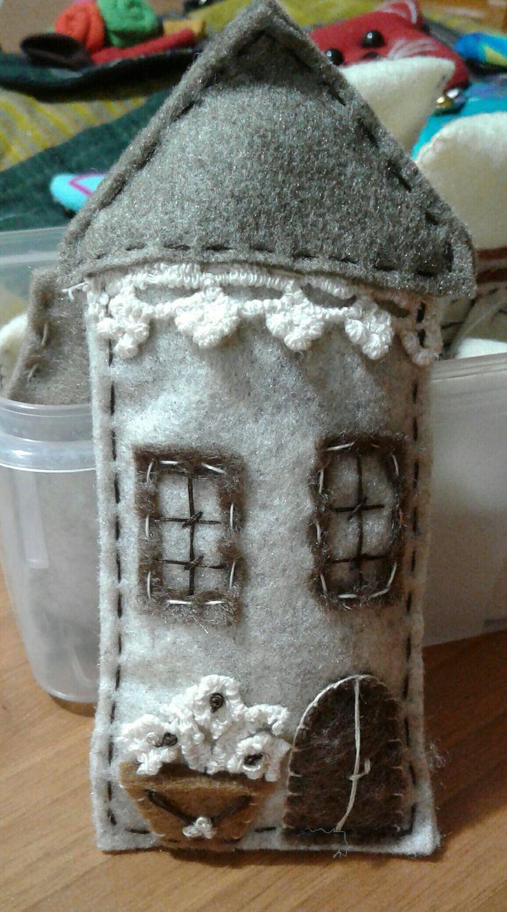 Casetta per villaggio - Luisa Valent
