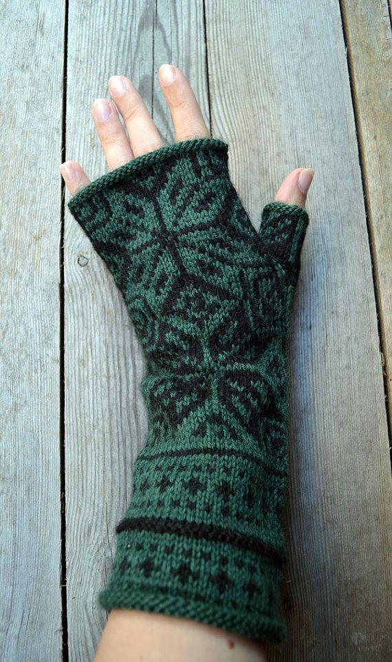 Green Fingerless gloves with stars/Handknit fingerless by lyralyra, $36.00