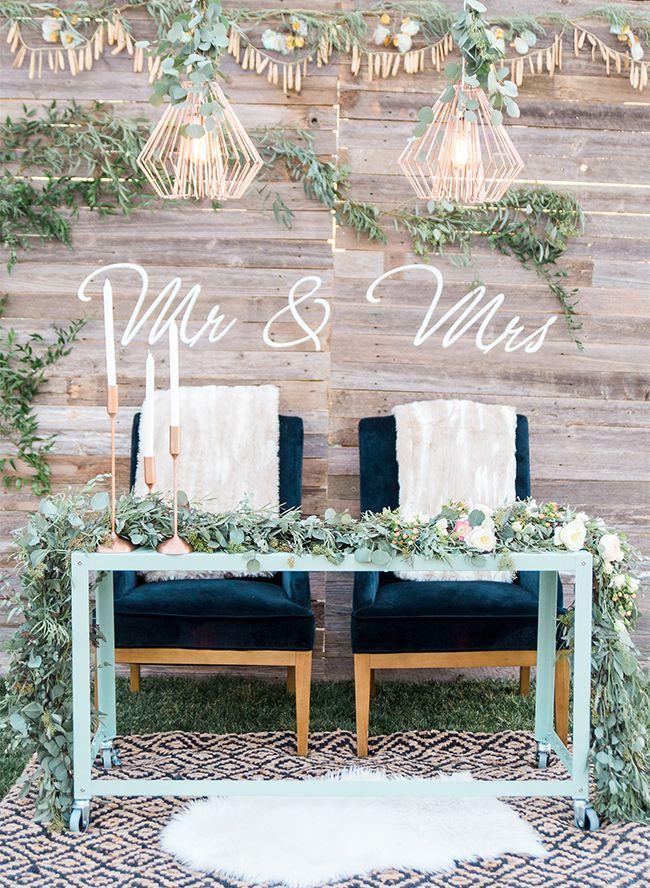 Boho style, wedding decoration, boho wedding decor, wedding table, bohemian style, bohemian wedding, outdoor reception, wedding day, rustic style, rustic wedding, wedding abroad