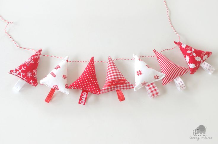 Christmas tree garland, fabric Christmas trees, Scandinavian Christmas decoration red and white, Christmas tree ornaments, tree bunting by CheekyStitches on Etsy