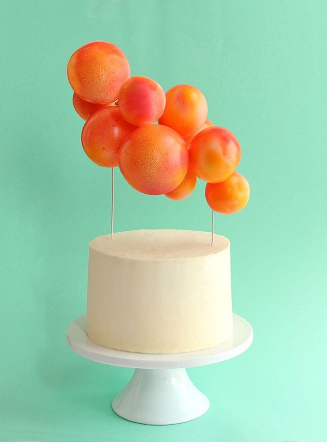 DIY Balloon Cake Topper   alanajonesmann.com