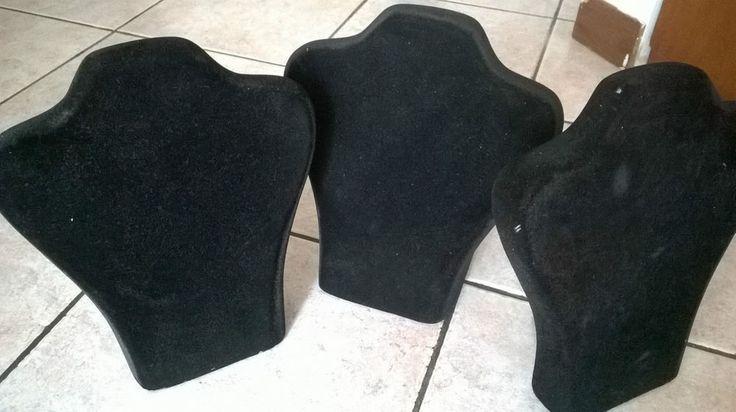 1 Manichino Busto colore nero Espositori per Collane usati