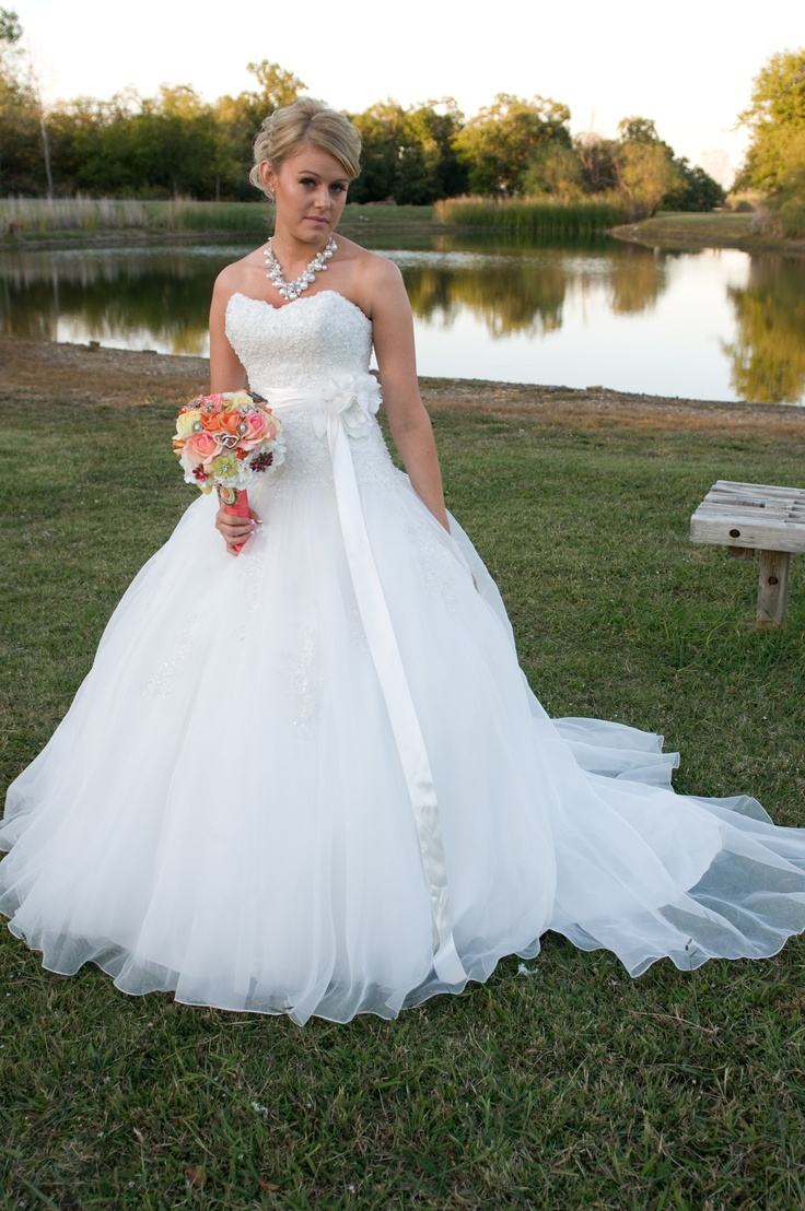 cheap preowned wedding dresses