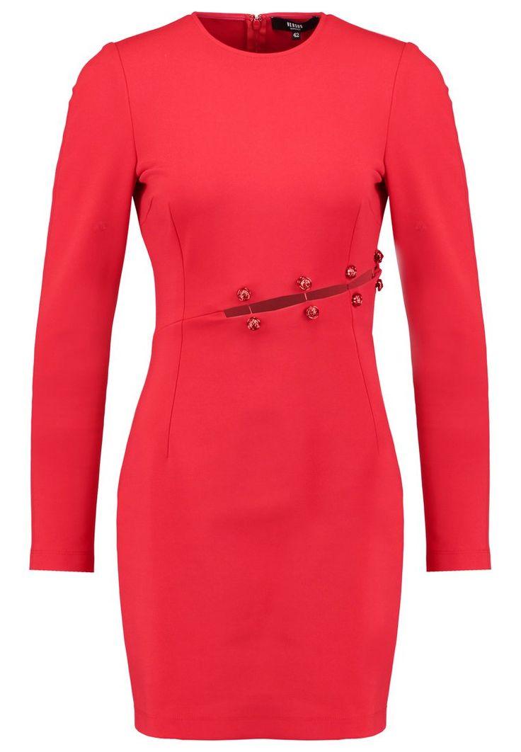 Piękna sukienka od #VersusVersace <3  #vumag #fashion #red #dress #versace #inspiracja