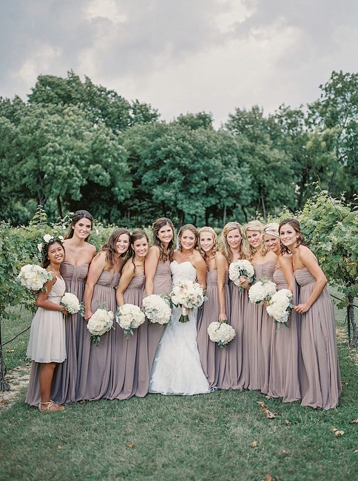 Summer time is the best time and this beautiful wedding at Mitas Hill Vineyard reaffirms that thought for us. We love the clean and chic color combination of white and green florals in this rustically elegant Texas wedding which had the perfect dose of rustic touches and exuded sophistication and refined elegance through every detail. […]