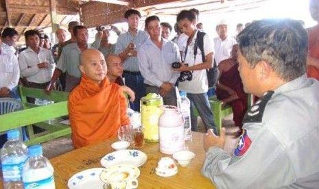 SHAMPOO MADU KUTU RAMBUT: Ini alasan mengapa muslim Myanmar dibantai