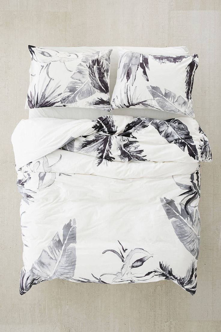 Slide View: 2: Expressive Palms Duvet Cover
