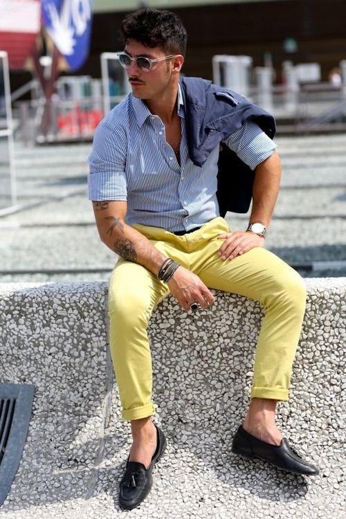 メンズファッション色の組み合わせ補色使い青と黄色