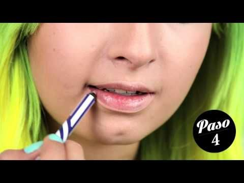 Los Nude Lips, se ven perfectos con una maquillaje fuerte en ojos y un poco de rubor. Descubre cómo lograr este efecto en este video.