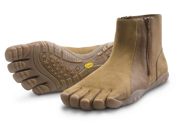Vibram FiveFinger Boots! Winter walking shoes ... where do I get these!