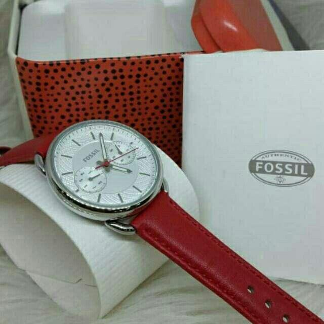 Saya menjual Jam Tangan Wanita Fossil ES 4122 Silver Leather ( Kulit ) Original Murah seharga Rp1.510.000. Dapatkan produk ini hanya di Shopee! https://shopee.co.id/azshop30/270751138 #ShopeeID